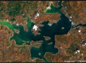 Satellite image of Nagarjuna Sagar reveals algal bloom invading the reservoir