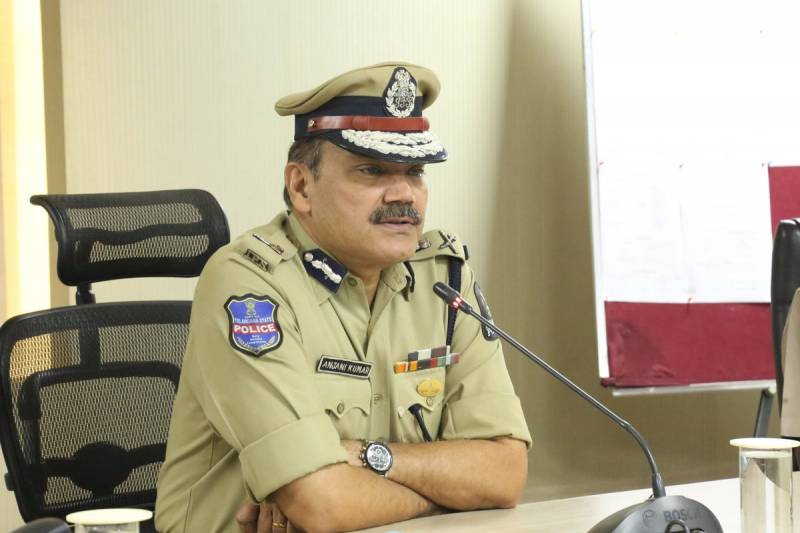 Hyderabad CP appeals to the 'rich' of Banjara, Jubilee Hills for car pooling