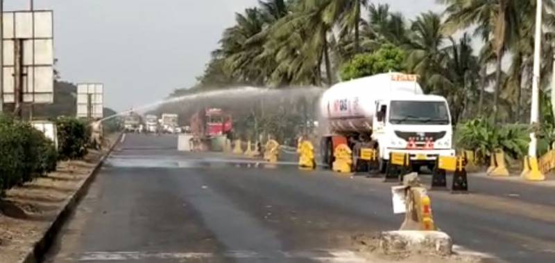 Gas leak from tanker causes panic at Ithakota in East Godavari