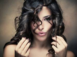 10 Powerful Natural Remedies to Grow Hair Thicker at Home