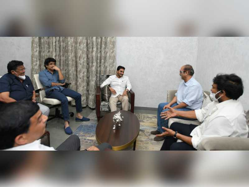 Tollywood meets Jagan: gets nod to resume shootings