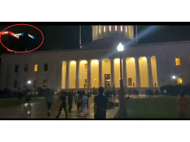 Fact check: Video purportedly showing White House being attacked is fake