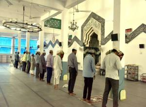 Hyderabad: Mosques open, but few turn up