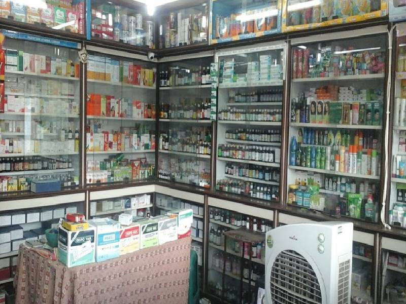 10 pharmacists died, 120 COVID +Ve; Sanathnagar div stores stopped selling fever medicine