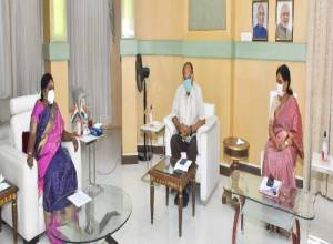 Don't deny treatment to anyone during pandemic: TS Governor to private hospitals