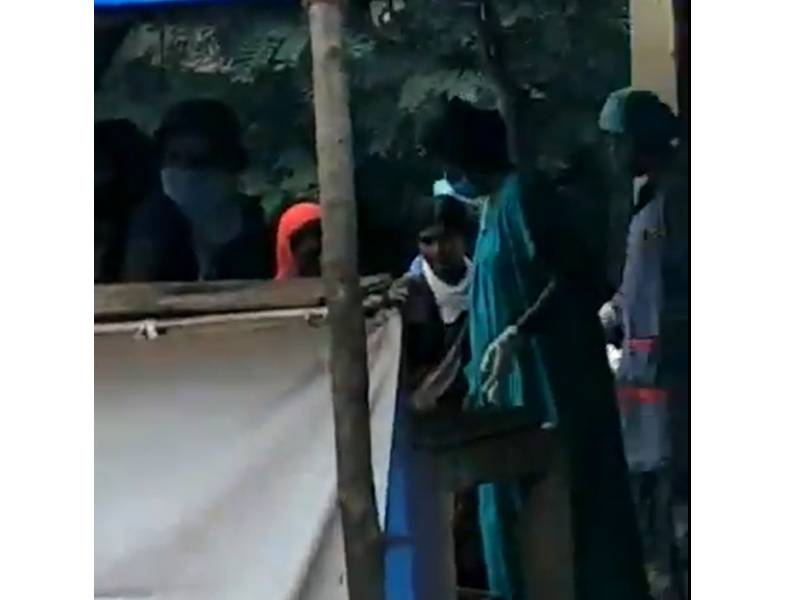 Denied admission at Jangaon hospital, woman delivers baby behind bushes