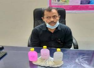 Gadwal health official caught red-handed taking bribe