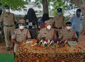 Couple dupes 3,000 people through fake online dating platform in Vizianagaram, arrested