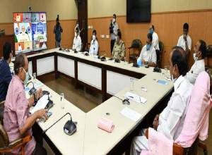 Telangana's recovery rate 71 % death 0.7 %; KCR urges Modi to ramp up medical facilities