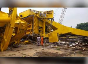 Kin of Vizag crane mishap victims to get Rs. 50 lakh compensation