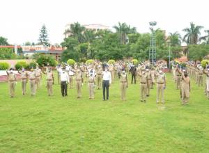 Rachakonda police welcome back Corona survivors amidst applause in Hyd