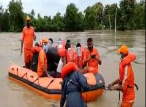 IMD puts five Andhra districts on red alert, predicts heavy rainfall