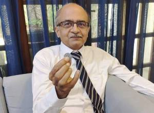 Contempt of Court: SC fines Prashant Bhushan with one rupee
