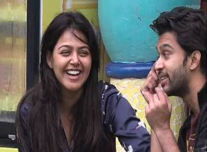 Bigg Boss Episode 9: Love is in the air