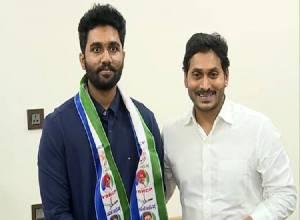 Vizag TDP MLA's sons join YSR Congress Party