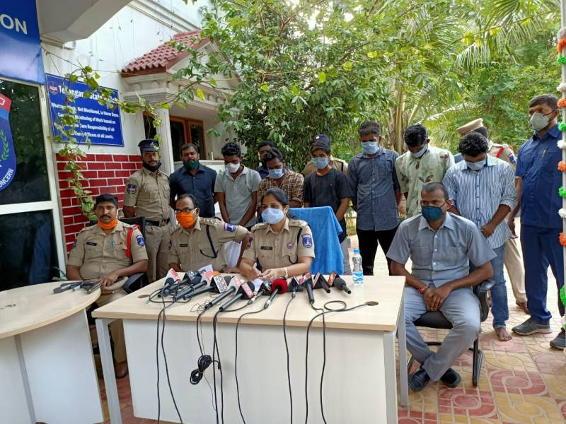 Six arrested for abducting business man Ramakrishna Raju in Hyderabad, toy pistol seized