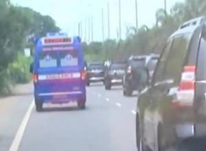 Chief Minister Jagan makes way for ambulance