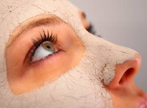 10 DIY Multani Mitti Face Packs for All Skin Types and Problems