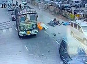 1 dead, 6 injured as speeding car rams vehicles at traffic junction at Choutuppal